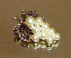 934~Vintage Antique Gold Tone Faux Pearl Figural Grape Cluster Brooch Pin**
