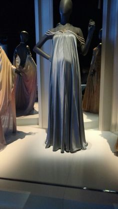 Padmé Amidala's pregnant nightgown: Revenge of the Sith