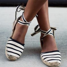 Calling all shoe lovers! It's the time of the year to splurge on a pedi and prepare your tootsies for a few new summer shoes. This season's shoe styles are all about comfort and wearability. Yes, comfort and style have collided to create a few of the hottest summer styles. We're talking flatforms, espadrilles, and the chicest flats you've ever seen. Check out 13 of the top summer shoe styles to have in your closet.