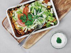 Het recept voor een gezonde kapsalon met zelfgemaakte knoflooksaus van 88 Food. De gezonde kapsalon bevat o.a. zoete aardappel en kip en smaakt heerlijk!