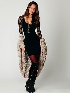 Ginger Long Sleeve Lace Back Tunic (black) (view 5)