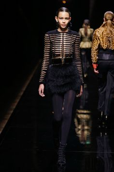 Balmain Fall-winter 2014-2015 - Ready-to-Wear - http://www.flip-zone.net/fashion/ready-to-wear/fashion-houses-42/balmain-4608 - ©PixelFormula