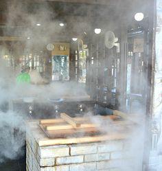 Cucinare con il vapore a Beppu, in Giappone
