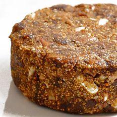 dulcesefadad: Receta pan de higos. Jewish Recipes, Raw Food Recipes, Sweet Recipes, Cake Recipes, Dessert Recipes, Comida Israeli, Chutney, Fig Bread, Mexican Bread