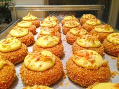 7 Places to Get Epic Doughnuts in Chicago Chicago Vacation, Chicago Travel, Chicago Chicago, Chicago Illinois, Firecakes Donuts, Coffee And Donuts, Donut Pictures, Old Fashioned Donut, Chicago Things To Do
