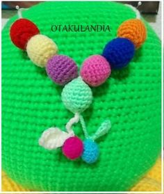 Collar diseñado y realizado a mano en crochet por Otakulandia, genial para disfrutarlo y lucirlo o para utilizarlo como ayuda en la lactancia del bebé.