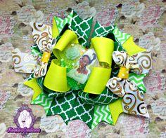 #handmade #princesstiana #ribbon #hairbow #bowlove #bowaddict #boutique #kassiascreations #disneyprincess #disneylove #disney #princess #tiana