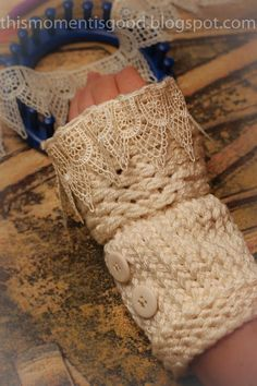 LOOM KNIT WRIST WARMERS - Victorian-Inspired Fingerless Gloves