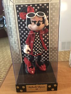 Minnie Mouse Doll, Mickey Mouse, Disney Rooms, Signature Collection, Disney Dream, Bjd, Disney Characters, Fictional Characters, Cartoons