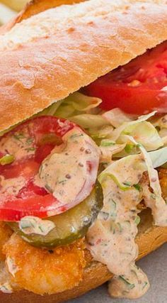 The best Po'boy sandwich with crispy spicy shrimp and a creamy tangy remoulade. Louisiana Recipes, Cajun Recipes, Shrimp Recipes, Fish Recipes, Cooking Recipes, Shrimp Po Boy, Spicy Shrimp, Shrimp Dishes, Southern Food