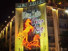 "Tet (Vietnam. Tết), the full name of Tet Nguyen Dan (Tết Nguyên Đán, 節 元旦, literally 'first celebration in the morning "") - Vietnamese New Year of the lunar-solar calendar; a public holiday in Vietnam, the most important and popular holiday in the country."