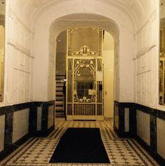 Alter Fahrstuhl, Jugendstil, Isestrasse Hamburg Eppendorf   Old elevator, art nouveau, Hamburg Eppendorf Isestrasse