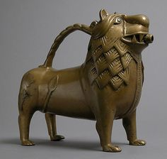 12c German Aquamanile (ewer) in the Form of a Lion.The Metropolitan Museum of Art.