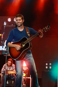 Josh Turner ::image by CeCesPhotography - Photobucket