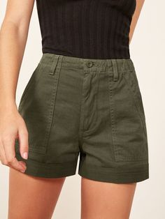 Reformation Utility Short I like the shape and color of shorts I enjoy how they are paired with a black top Short Outfits, Trendy Outfits, Summer Outfits, Cute Outfits, Fashion Outfits, Womens Fashion, Outfit Elegantes, Looks Cool, Style Me