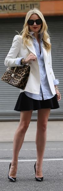 Mini skrit with white coat and leopard purse