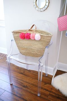 make your own pom pom tote - this looks just like the Eliza Gran tote that is $100 - but this one cost a third of the price to make!