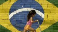 Brasilien - die unterschätzte Macht.     Südamerika insgesamt wird unterschätzt. Das im Vergleich zu Brasilien winzige Paraguay noch mehr.     Paraguay bietet ideale Standortvoraussetzungen. Das Einzugsgebiet von Asunción liegt geographisch exakt in der Mitte Südamerikas. Paraguay hat sehr niedrige Steuern. Und die brasilianische Grenze ist gerade mal gute 300 Kilometer entfernt. Argentinien liegt sogar direkt vor der Haustüre.