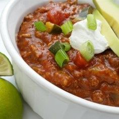 This quick turkey chili recipe using zucchini, green onion, sour cream, and cheddar cheese will please even the pickiest eater. Korma, Biryani, Chili Recipes, Turkey Recipes, Turkey Dishes, Game Recipes, Mexican Recipes, Recipies, Dinner Recipes