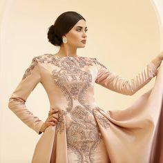 En özel gününüze en güzeli yakışır... #houtecouture #ozeldikim #fashion #fashionblogger #abiye #gelinlik