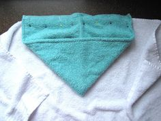 I saw this at kojo designs and have been wanting to make it ever since. I put it off for a while because we have plenty of towels at h. Braided Fleece Blanket Tutorial, Hooded Towel Tutorial, Diy Baby Gifts, Baby Crafts, Sewing For Kids, Baby Sewing, Sew Baby, Baby Knitting Patterns, Sewing Patterns
