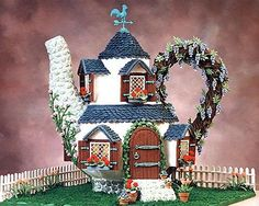 Magnificent Gingerbread houses - Teapot house