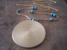 Langen goldenen Halskette Goldmünze Vintage von annikabella auf Etsy
