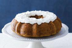 Citrouille, chocolat et épices transforment une simple préparation pour gâteau en une création somptueuse.