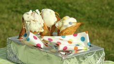 Sprø iskjeks med overraskelsesis