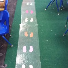 Show kiddos exactly where their feet go while standing in line! Could attach to a separate carpet runner instead of the floor to avoid damage to the carpet Class Management, Behavior Management, Classroom Management, Positive Behavior Support, Social Emotional Development, Behavior Interventions, Class Rules, School Daze, Classroom Environment