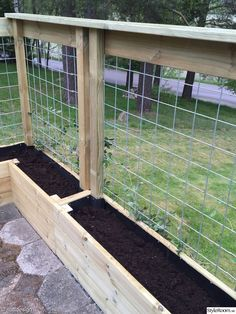 There are many benefits to using raised vegetable garden beds in your garden. For starters, elevated garden beds are easier on your back and knees because they require less bending, kneeling and crawling than . Patio Fence, Backyard Fences, Garden Fencing, Backyard Landscaping, Diy Fence, Fence Ideas, Fenced Garden, Garden Mesh, Garden Hedges