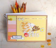 Le scrap d 'Opsite: Mini album Mini Albums Scrap, Mini Scrapbook Albums, Personalised Calendar, Cool Notebooks, Journal Notebook, Journals, Pocket Letters, Album Book, Mini Books