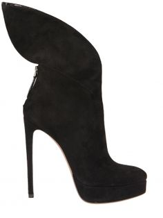 Azzedine Alaia, Suede boots
