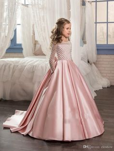 Pink Princess Long Sleeves Flower Girls Dresses 2017 Bow Knot Delicate Beaded Sequins Ball Gown Floor Length Girls Pageant Birthday Gowns