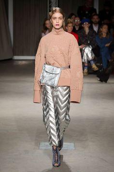 Alberto Zambelli at Milan Fashion Week Fall 2017 - Runway Photos
