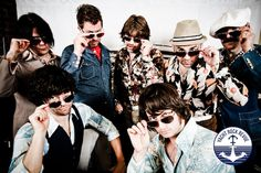 Yacht Rock Revue --- these guys are freakin awesome!!