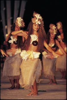 Beautiful Tahitian Dancers