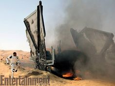 As if to make up for yesterday's disappointing news about Entertainment Weekly is more than making up for it by showing off new photos of Star Wars Episode VII: The Force Awakens! Mark Hamill, Finn Star Wars, Star Wars Vii, Star Trek, Peter Mayhew, Entertainment Weekly, Carrie Fisher, John Williams Star Wars, Starwars