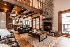 <p>Le Chalet Le Mont-Blanc est situé dans les Laurentides, dans la localité de Saint-Faustin-Lac-Carré, à 20kmdu village de Mont-Tremblant et à 120 kmde Montréal.</p>  <p> Le chalet est construit avec des matériaux de qualité supérieure, créant une structure majestueuse et impressionnante. Surplombant la vallée du Mont-Tremblant, le chalet offre luxe et confort. Il est situé en montagne, au centre d'un domaine boisé de 150 acres.</p>                   ...