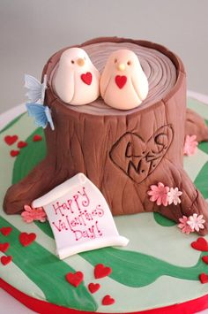 love #CuteCake #CakeDecoratingValentines Ideas and Inspiration - We love this!