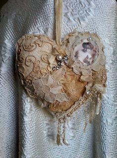 Tattered vintage shabby hanging by susanjanescreations on Etsy Vintage Pearls, Shabby Vintage, Shabby Chic, Images Vintage, Sparkle, Heart Crafts, Crafts To Make And Sell, Hanging Hearts, Antique Lace