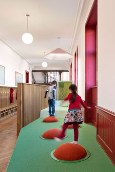 Swiss design studio ZMIK has transformed three corridors at a primary school in Basel into flexible learning-spaces designed to promote wellbeing. Play Spaces, Learning Spaces, Basel, Plan Design, Game Design, Design Concepts, Transformers, Activity Based Learning, Modern Classroom