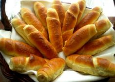Domácí rohlíky | NejRecept.cz Sandwich Recipes, Bread Recipes, Slovak Recipes, Bread And Pastries, Bread Rolls, Croissant, Baguette, Hot Dog Buns, Sandwiches