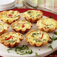 Mini Quiches from Stonewall Kitchen Yummy Appetizers, Appetizers For Party, Appetizer Recipes, Gourmet Breakfast, Breakfast Recipes, Brunch Recipes, Puff And Pie, Stonewall Kitchen, Mini Quiches
