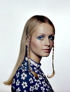 Twiggy, photo by Justin de Villeneuve, c.1972