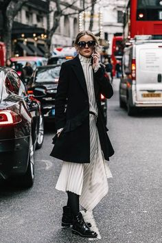 Fall street style fashion / Fashion week #fashionweek #fashion #womensfashion #streetstyle #ootd #style /Pinterest: @fromluxewithlove /www.fromluxewithlove.com
