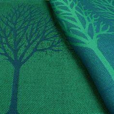 DIDYMOS - Babytragetuch Winterallee   Material:100 % kbA-Baumwolle Flächengewicht:200 g/m² Waschbar:bis 60 ° C, Schleuderzahl max. 600 Farbe:Smaragd, Stahlblau, Anthrazit Alter des Kindes:Ab der GeburtLimitiertes Modell Kurzbeschreibung: Baumreihen prägen die Allee - Feines Jacquardmodell aus reiner Baumwolle