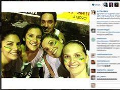 Flávia Alessandra foi com a filha Giulia e com a atriz Fernanda Rodrigues em manifestação no Rio 20/06/2013 #VemPraRua #OGiganteAcordou #ForaFeliciano #ForaFelicianus #ForaRenan  #NaoPec37 #ChangeBrazil  http://g1.globo.com/pop-arte/noticia/2013/06/famosos-participam-de-protestos-pelo-brasil-veja-fotos-e-comentarios.html