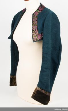 Trøye Norway, Dress Up, Museum, Embroidery, Clothes For Women, Folklore, Frozen, Women's Clothing, How To Wear