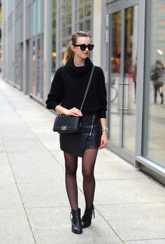 VOGUE HAUS: TODAY IN ALL BLACK